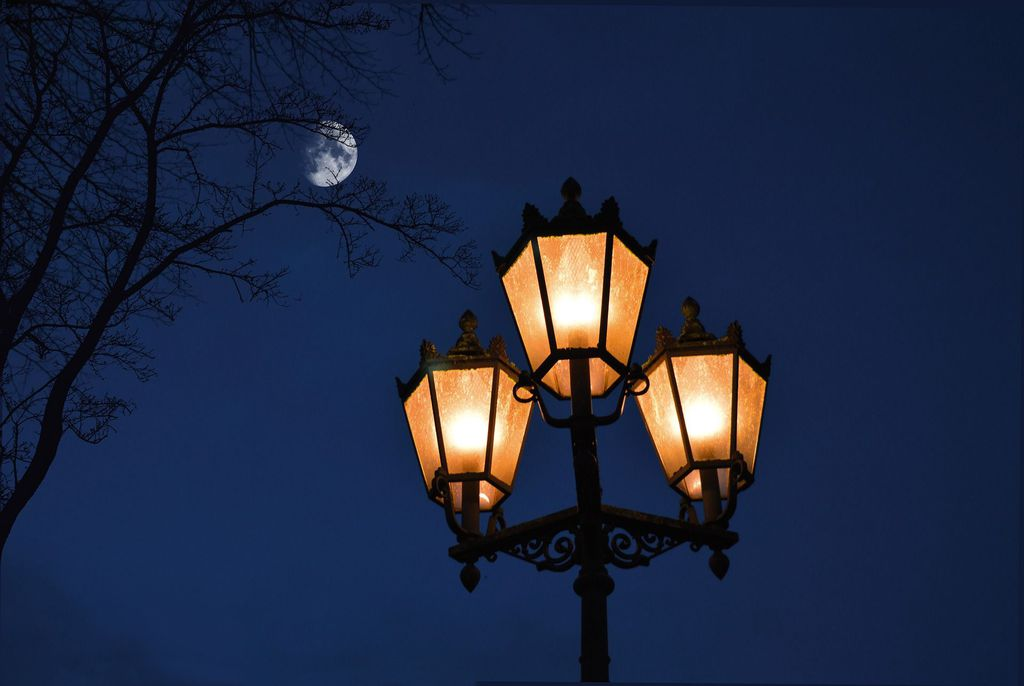 street-lamp.jpeg