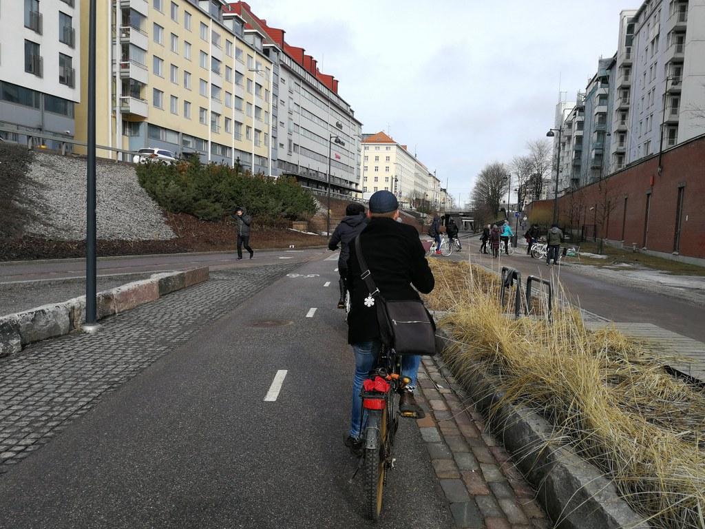 Jazda rowerem to najbardziej efektywny sposób przemieszczania się (fot. R. Porada)