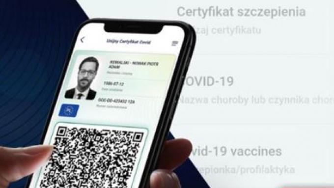 zdjęcie poglądowe - certyfikat wyświetlający się w telefonie